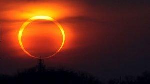 Eclipse solar anular. Anillo de fuego
